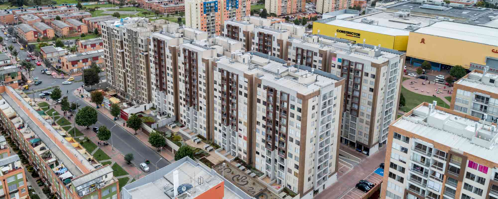 Finished apartments at Arboleda del parque Bogota residential project October 2018