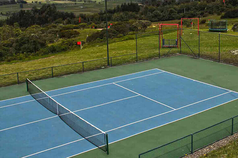 Synthetic tennis court land sale project for La Molina in Sopo
