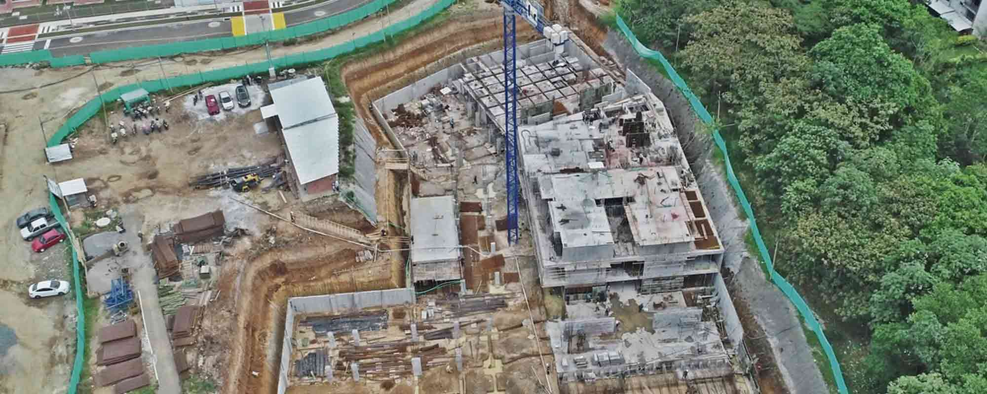 Towers under construction at Ocobo residential project in Ibague September 2018