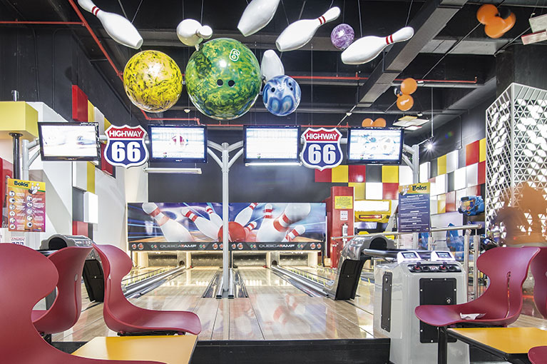 Bowling at Plaza Bocagrande Shopping Center commercial project in Cartagena