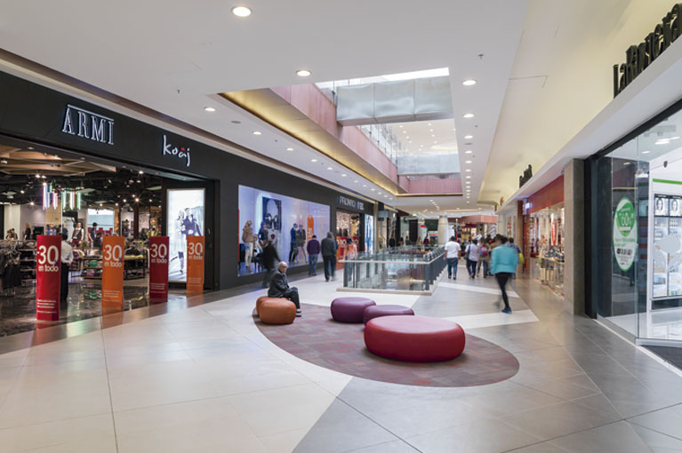 Corridors at Titán Plaza Shopping Center commercial project in Bogota