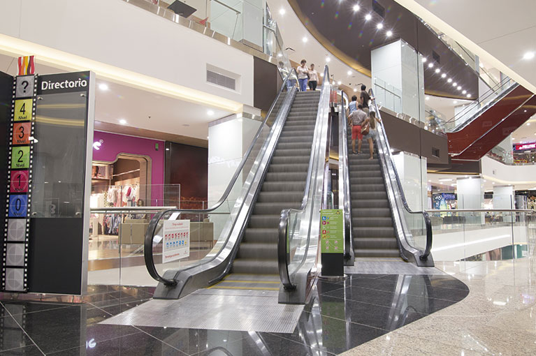 Electric stairs at Plaza Bocagrande Shopping Center commercial project in Cartagena