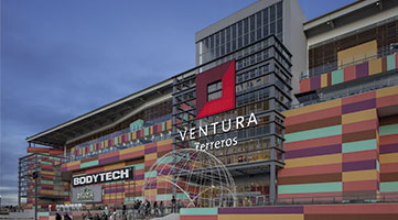 Facade Ventura Terreros Shopping Center commercial project in Soacha